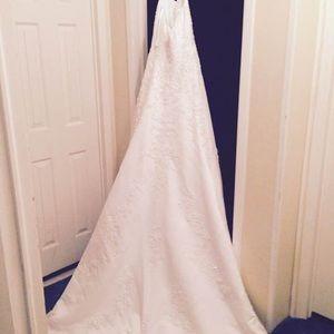 David's Bridal Dresses - Wedding Dress - Never Worn
